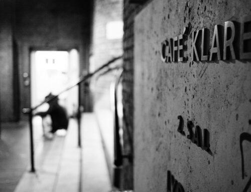 Café Klare søger en nattevagt til fast deltidsstilling